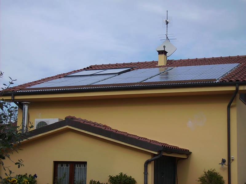 villa impianti fotovoltaici