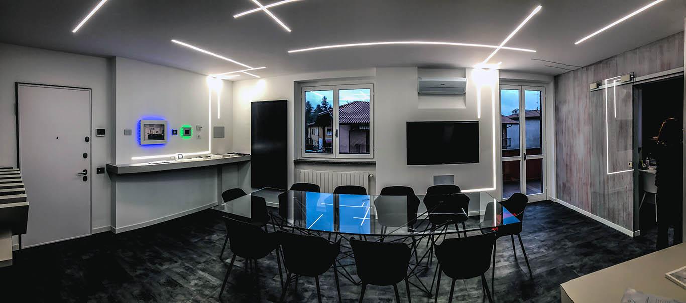 villa impianti illiminazione a led e pannelli domotica nel nostro showroom a Castiglione Olona Varese