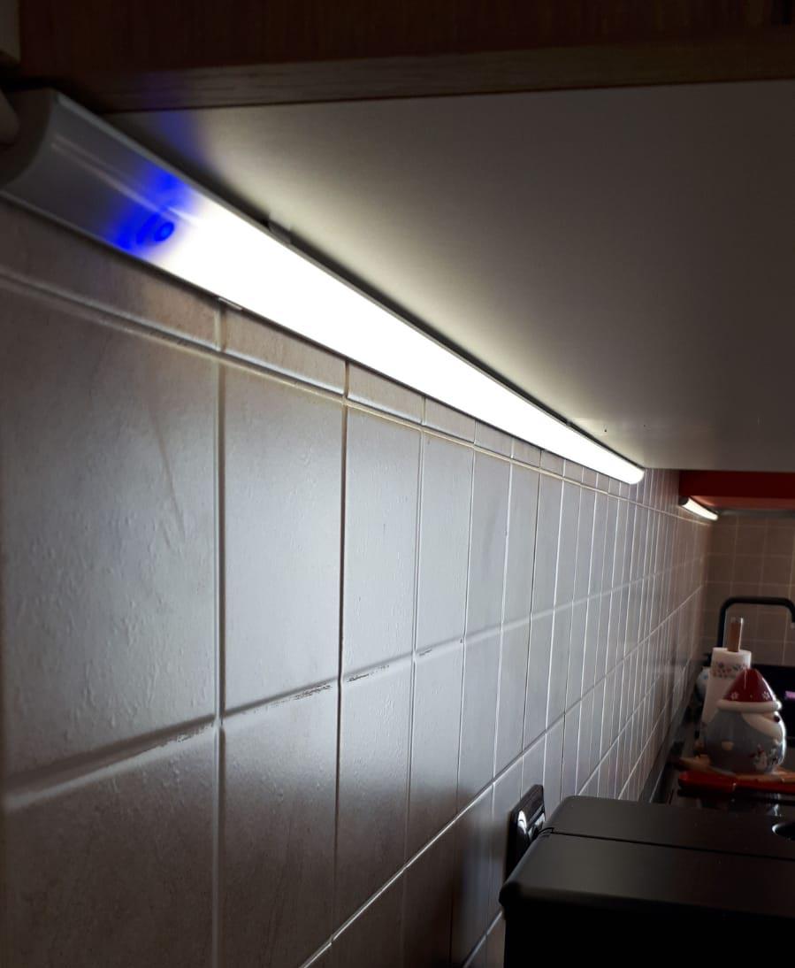 Illuminazione led sotto pensile cucina a Rovellasca Como